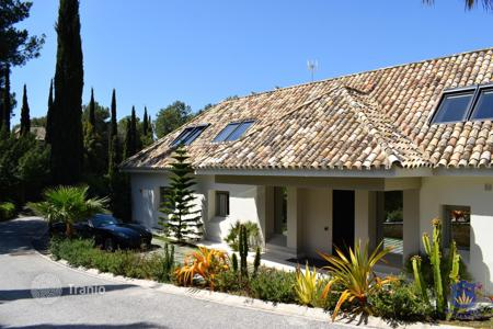 Luxury villas and houses for rent in Andalusia. Luxury villa just 5 km from the center of Marbella