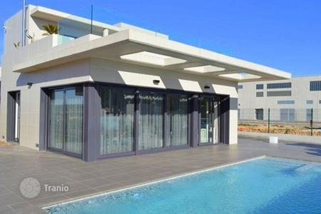 Off-plan houses with pools for sale in Costa Blanca. Luxury Villa in Campoamor, Spain