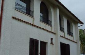 5 bedroom houses for sale in Abruzzo. Large Detached House, Chieti Province