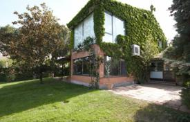 Residential for sale in Madrid. Villa with a swimming pool, Majadahonda, Spain