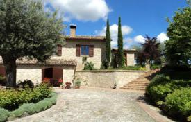 Residential for sale in Marche. Amazing villa in Cingoli, region Marche, Italy