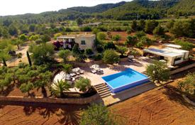 Luxury 6 bedroom villas and houses to rent in Spain. Villa – Ibiza, Balearic Islands, Spain