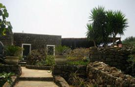 Residential for sale in Sicily. Villa – Pantelleria, Sicily, Italy