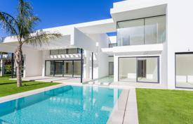 4 bedroom houses for sale in Malaga. Villa for sale in Guadalmina Baja, San Pedro de Alcantara