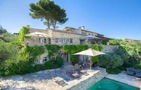 Gordes — Outstanding property with breathtaking view. Price on request
