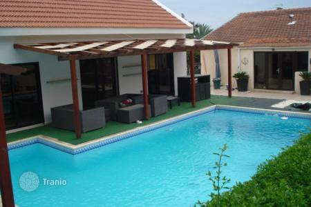 Houses with pools for sale in Erimi. Three Bedroom Detached Bungalow + Annex