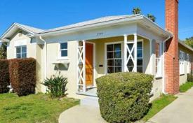 Property for sale in North America. Renovated house with a garage in Palms area, Los Angeles, USA