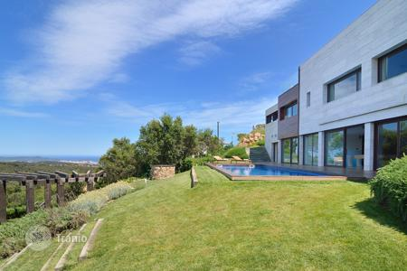 5 bedroom villas and houses by the sea to rent in Costa Brava. Villa – S'Agaró, Catalonia, Spain