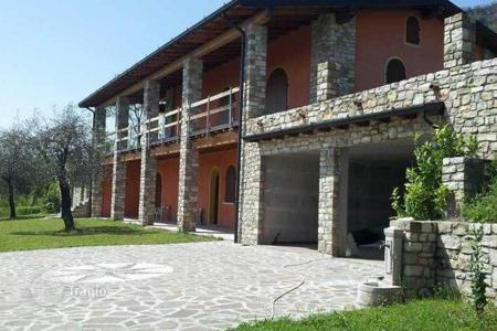 6 bedroom houses by the sea for sale in Lombardy. Villa – Toscolano Maderno, Lombardy, Italy