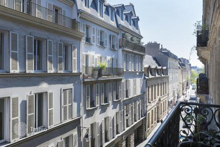 3 bedroom apartments for sale in Ile-de-France. Amazing apartment in the center of Paris, France