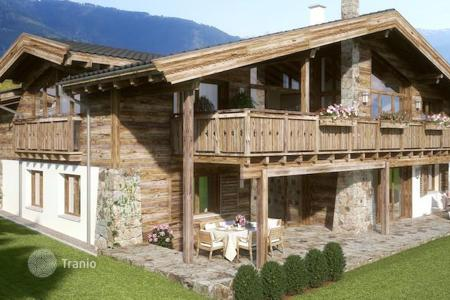 Luxury 4 bedroom houses for sale in Europe. Spacious custom-built chalet in Zell-am-See