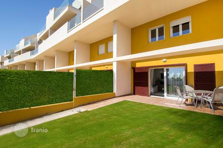 Cheap townhouses for sale in Spain. 3 bedroom duplex apartment near the beach in Punta Prima, Torrevieja