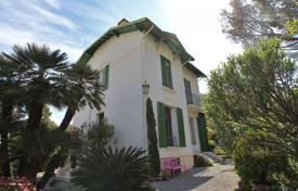 Rent — At the edge of Cap d'Antibes — 300 meters away from the sea — Villa to rent. Price on request