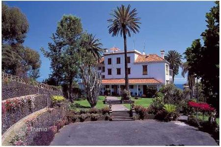 Luxury property for sale in Puerto de la Cruz. Villa – Puerto de la Cruz, Canary Islands, Spain