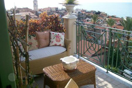Residential for sale in Liguria. Two-bedroom apartment only 500 meters from the beach in Bordighera