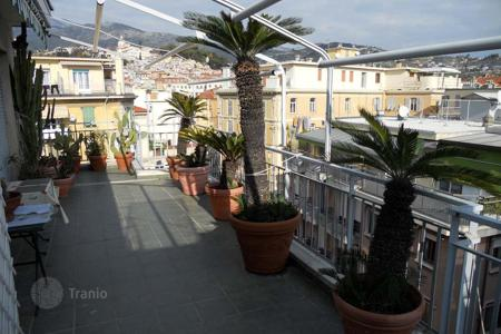 Coastal penthouses for sale in Sanremo. Cozy penthouse in a prestigious residential complex in the center of Sanremo, just 50 meters from the sea