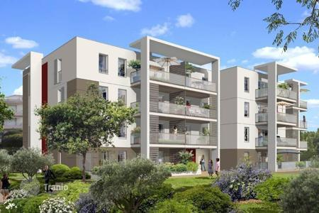 Cheap 2 bedroom apartments for sale in Côte d'Azur (French Riviera). Nice apartment in a new build in Cagnes-sur-Mer on the Cote d'-Azur