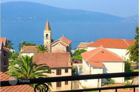 Property for sale in Tivat. Unique offer — apartment in Tivat, 100 meters from the sea