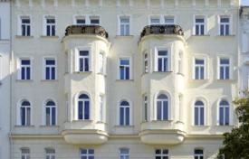Apartments for sale in Leopoldstadt. Two-level penthouse with terrace in a historic building, 500 meters from the Danube, Leopoldstadt, Vienna