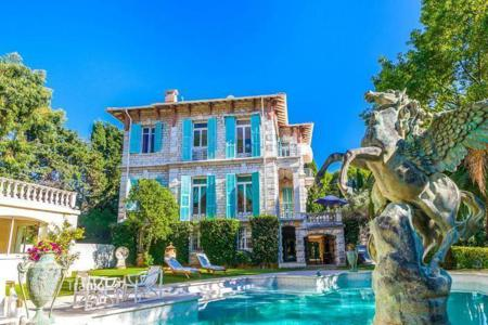 Luxury 5 bedroom houses for sale in Roquebrune - Cap Martin. Spacious stone mansion of the XIX century, with a private park, a swimming pool, a gym, and a sauna, in Cap Martin, France