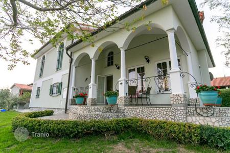 3 bedroom houses for sale in Slovenia. Villa - Koper, Obalno-Cabinet, Slovenia