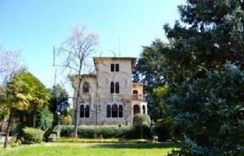 Villa – Angera, Lombardy, Italy for 2,800,000 €