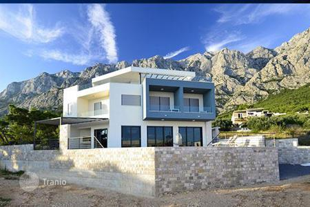 3 bedroom houses for sale in Croatia. New villa in a quiet location in Makarska