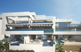 New apartments with a terrace and a parking in a residential complex with a garden, swimming pools and sea views, Nueva Andalucia, Spain for 475,000 €
