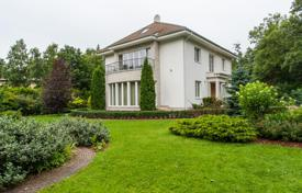 Property for sale in Tallinn. Comfortable villa with a garden and a bathhouse, near the beach, Pirita, Tallinn, Estonia