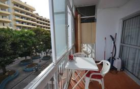 Cheap property for sale in Torremolinos. Amazing corner apartment located right in the centre of Torremolinos on San Miguel street