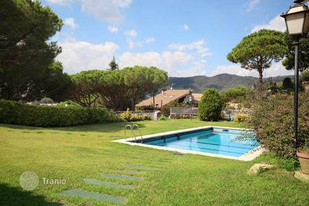 6 bedroom houses for sale in Costa del Maresme. House of 1,000 m² in Cabrils, Barcelona Coast