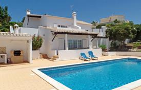 4 bedroom houses for sale in Faro. Traditional 4 bedroom Portuguese styled villa on golf resort, Budens