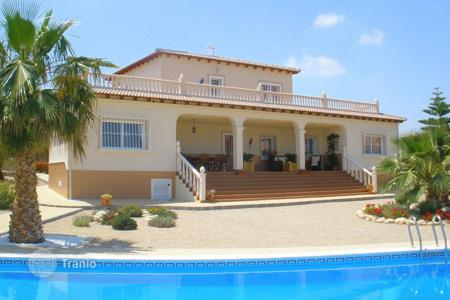 4 bedroom houses for sale in Murcia. 4 bedroom villa with private pool, solarium, garden and BBQ area in Murcia