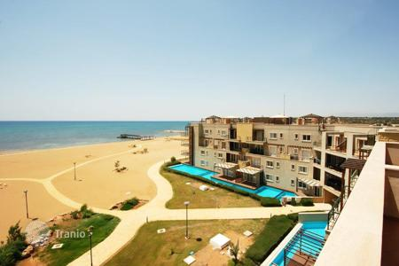 Penthouses for sale in Famagusta (Gazimağusa). Fully furnished penthouse with a large terrace in a residence on the seafront, Famagusta, eastern parts of Northern Cyprus