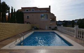 Townhouses for sale in Altea. Townhouse with a pool, a garden and a parking in Altea, Alicante, Spain
