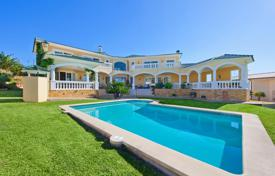 Property for sale in Port d'Andratx. Classic villa with a landscaped garden, a pool, a garage, a barbecue area and panoramic views, Port Andratx, Mallorca, Spain