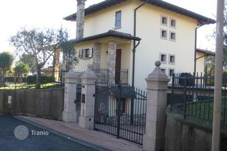 Property for sale in Moniga del Garda. Villa - Moniga del Garda, Lombardy, Italy