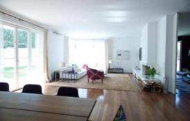 Luxury residential for sale in Austria. Modern 3-storey house in a prestigious area of Vienna