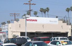 Property (street retail) for sale overseas. Auto repair property in Northern Los Angeles