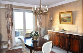 Property for sale in Aquitaine. Stylish apartment with balconies, a cellar and a garage in the city center, Biarritz, France