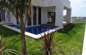 5 bedroom houses for sale in Tarragona. New villa with a pool, a terrace and a sea view, Cambrils, Spain