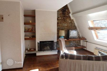 Cheap residential for sale in Maggiore (Italy). Baveno. Charming apartment in a romantic castle on the lake Maggiore