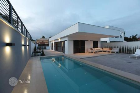 Houses with pools for sale in El Albir. Detached house featuring 3 bedrooms and private pool in L'Albir