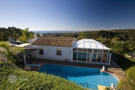 5 bedroom houses for sale in Estepona. Villa – Estepona, Andalusia, Spain