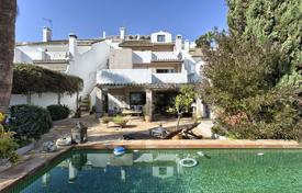 Townhouses for sale in Marbella. SPACIOUS TOWNHOUSE NUEVA ANDALUCIA
