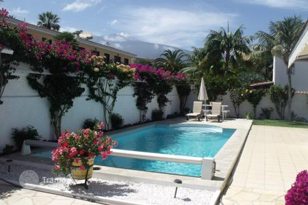 2 bedroom houses for sale in Tenerife. Charming villa in Puerto de la Cruz