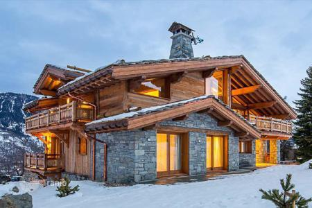 5 bedroom houses for sale in Courchevel. Villa – Courchevel, Auvergne-Rhône-Alpes, France