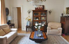 Residential for sale in Biarritz. Charming apartment with a balcony in Biarritz, Aquitaine, France