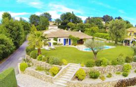 4 bedroom houses for sale in Saint-Paul-de-Vence. Provence style villa with panoramic sea view in Saint-Paul-de-Vence, Cote d`Azur, France