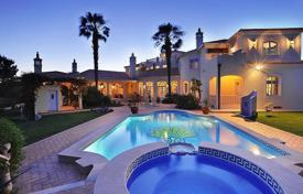 Luxury 5 bedroom houses for sale in Faro. Magnificent Villa in Quinta do Lago, Portugal